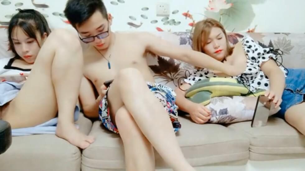 四眼男与女友闺蜜玩双飞