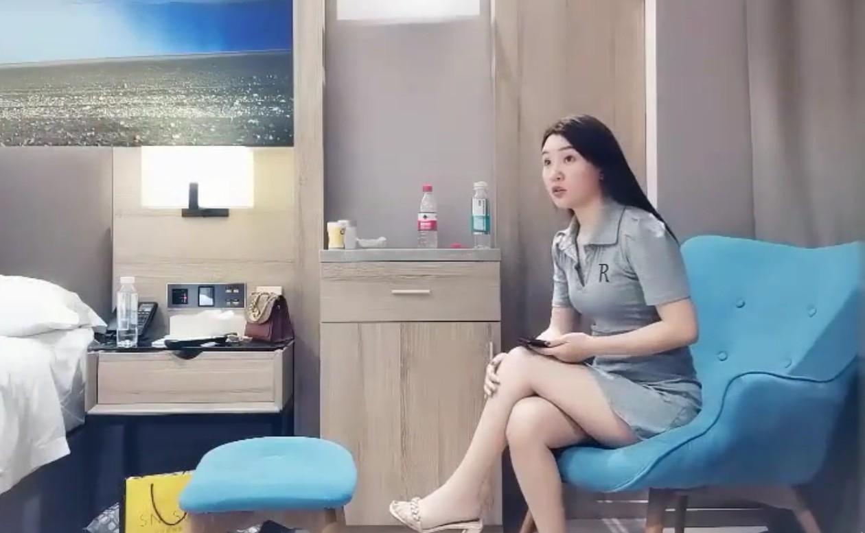 深圳嗨哥酒店约人妻 女主身材超棒