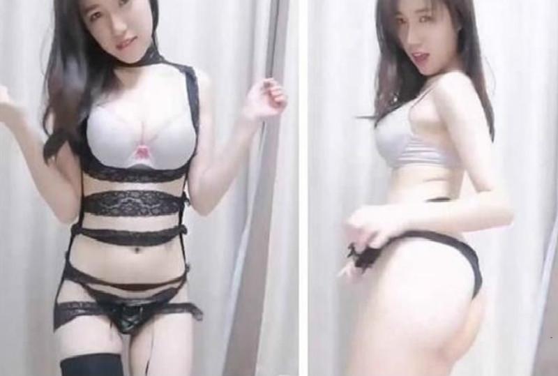 皮肤白皙气质女神级美女主播穿性感情趣装跳脱衣舞很是诱惑