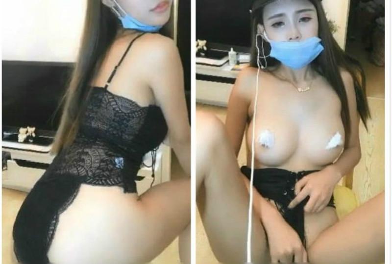 乳房很性感的娇嫩妹子COS女警诱惑