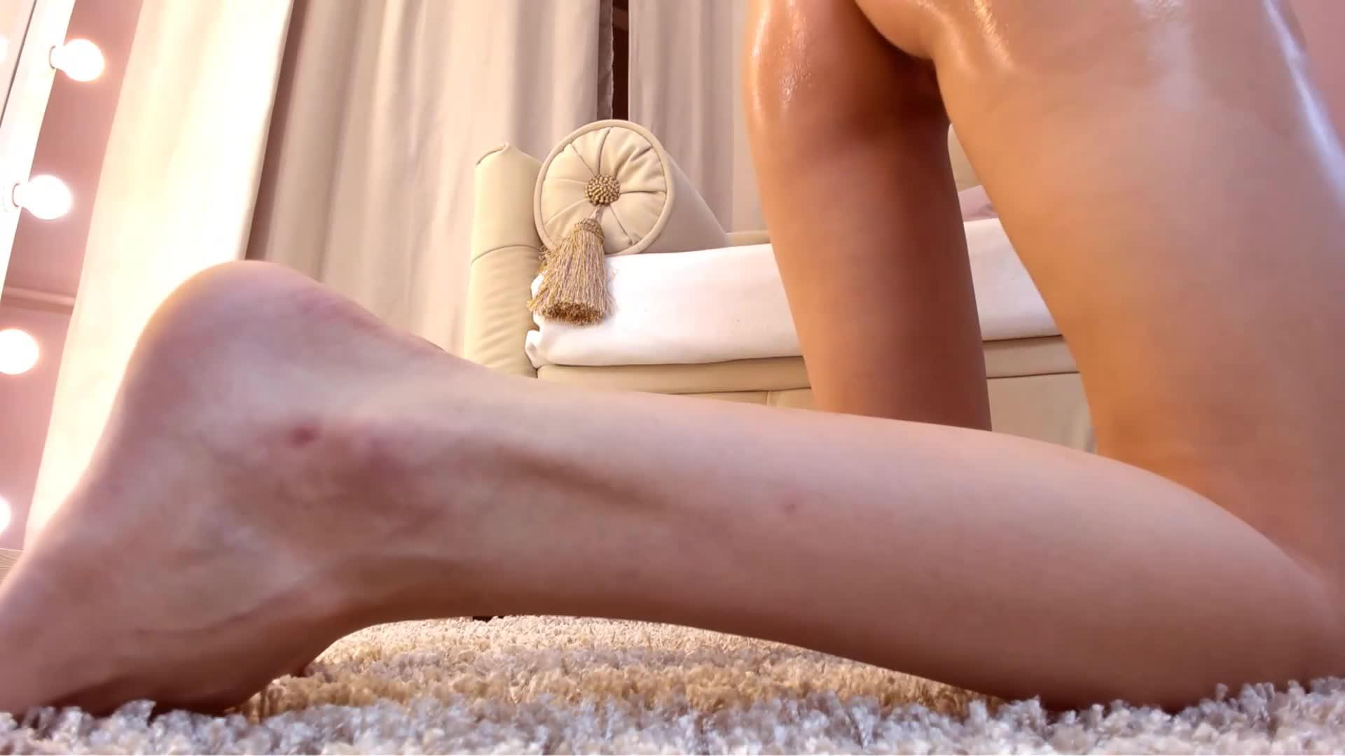 性感翘臀苗条长腿妹子屁股抹油跳蛋震动近距离特写按摩器摩擦逼逼呻吟娇喘1080P高清