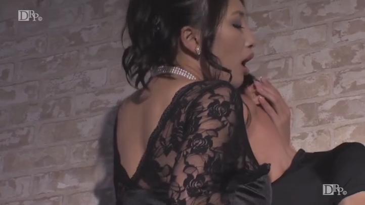 肉厚プルプルな美尻を抱きしめたい 小早川怜子 -