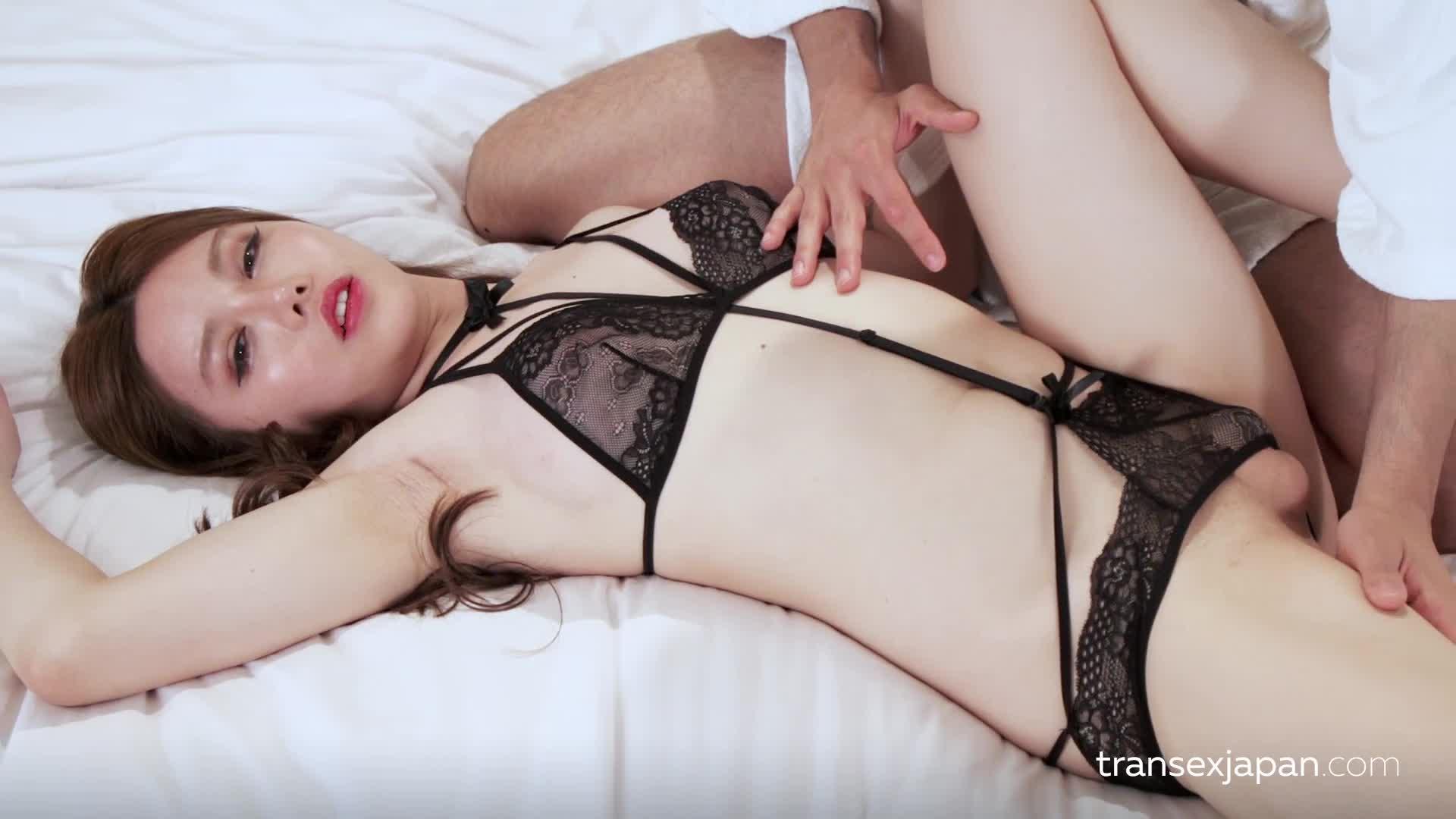 最新流出中国TSmasem小乐乐被性爱按摩师按到胸部出奶