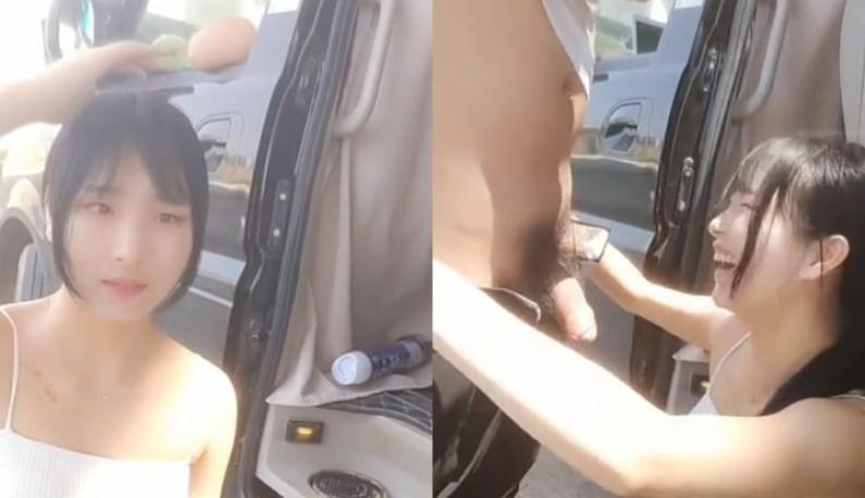 看到鸡巴直接笑出来,突然痒了直接停车吹箫!