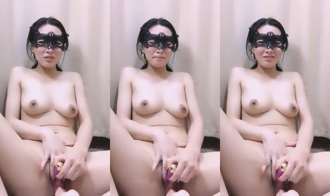性感美少妇全裸道具跳蛋插逼自慰大秀 对白淫荡