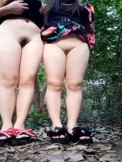 姐妹俩约炮小帅哥到小树林3P野战,姐妹俩肉太嫩了招惹蚊子零零后妹妹的逼又小又嫩