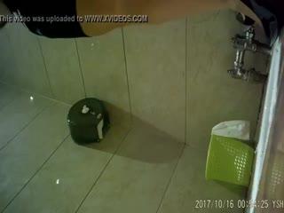 中国内某酒店会所KTV内女厕偷拍偷窥集21,长得还行