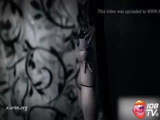 私房模特马蕊薄纱迷情动人诱惑玉体写真视频