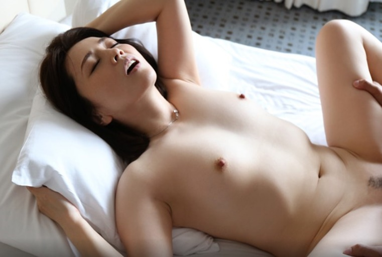 [人妻偷情愿望]超美素人妻系列   原田 智香   年齢