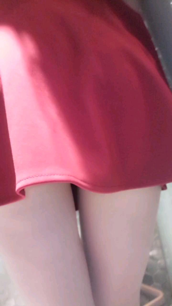[短视频区] 红色连衣裙①
